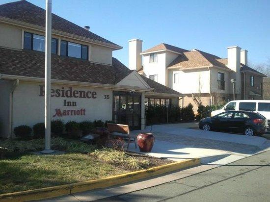 Residence Inn Herndon Reston :                   Exterior