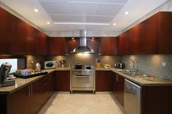 JA Oasis Beach Tower: 2 Bedroom Apartment - Kitchen