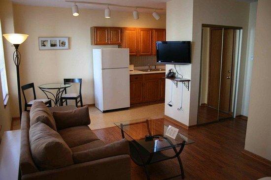 DeWitt Place: Guest Room