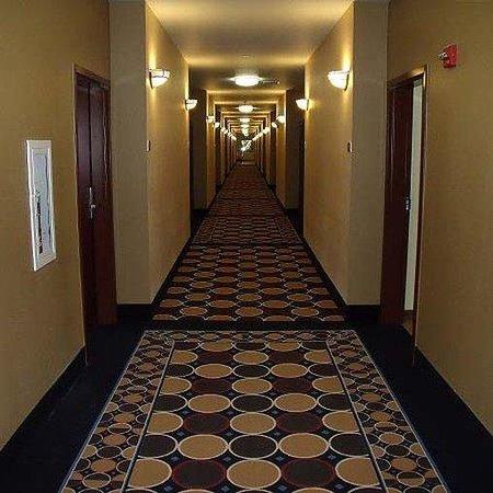 Irish Inn & Suites: Irish Inn Suites Muleshoe Hallway