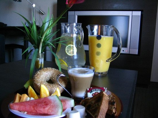 Grand Times Hotel Sherbrooke: Breakfast