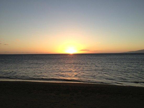 Maui Schooner Resort:                   Sunset from the beach in front of the Schooner
