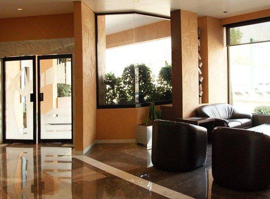 Hotel & Suites Porto Novo: Lobby View