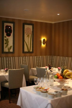 درايكوت هوتل: Dining Room