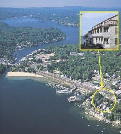 Lakeside Getaway: Exterior View