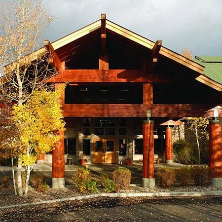 River Rock Lodge: River Rock Exterior B
