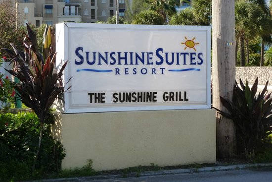 Sunshine Suites Resort: Hotel sign on west bay road