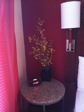 Residence Inn Florence: Bed side table in room 308