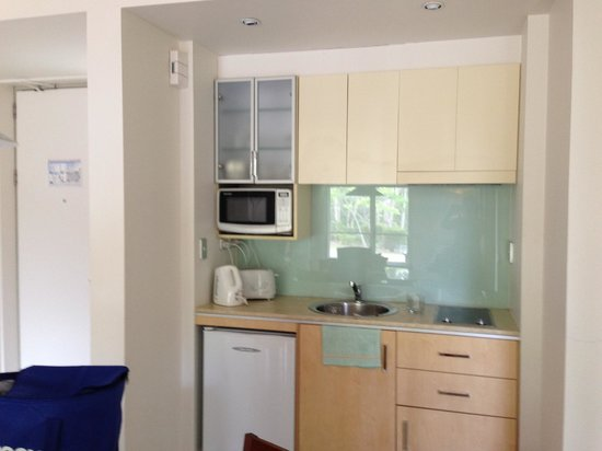 Palmer Coolum Resort: Golf Villa Kitchenette