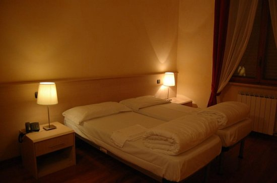 Camera da letto doppia - Picture of Hotel Marguareis, Frabosa ...