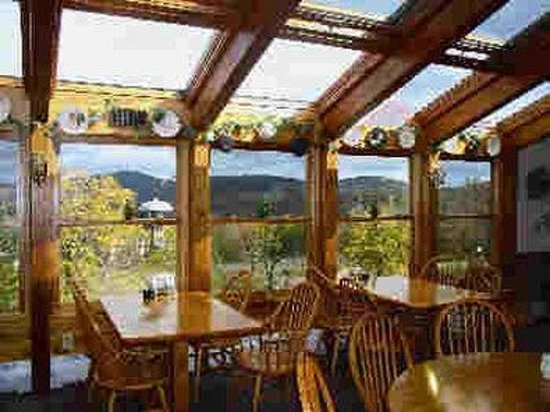 Cascades Lodge Killington: Dining @ 2200 Feet