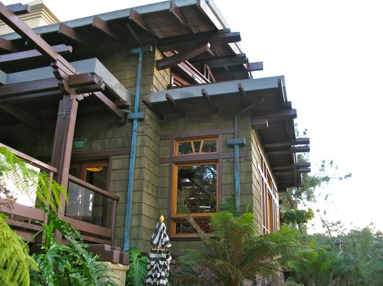 The Lodge at Torrey Pines:                   the hotel