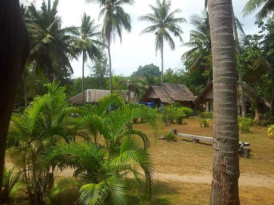 Koh Yao Beach Bungalows:                   Low cost thai bungalows