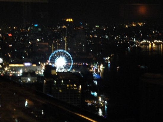 Chatrium Hotel Riverside Bangkok: Nigth view from the 36. floor Chinese reastaurant