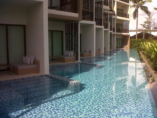 Holiday Inn Phuket Mai Khao Beach Resort:                   Pool access room
