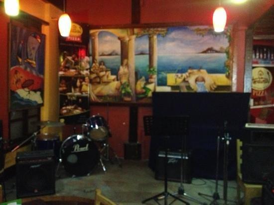 Handuraw Pizza Gorordo: band area