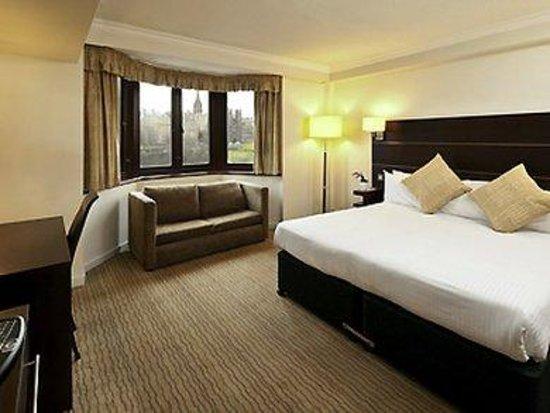 Mercure Edinburgh City - Princes Street Hotel: Guest Room