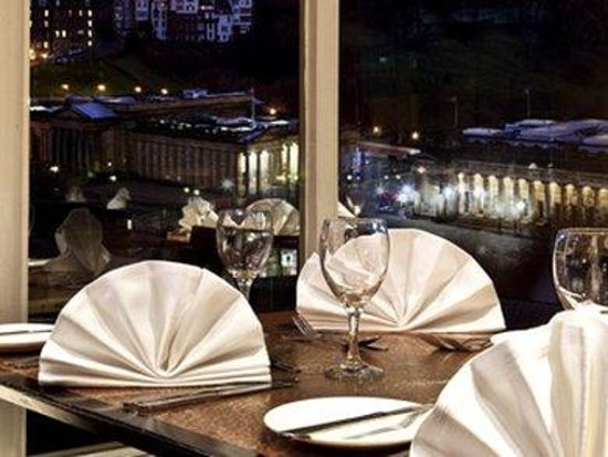 Mercure Edinburgh City - Princes Street Hotel: Restaurant