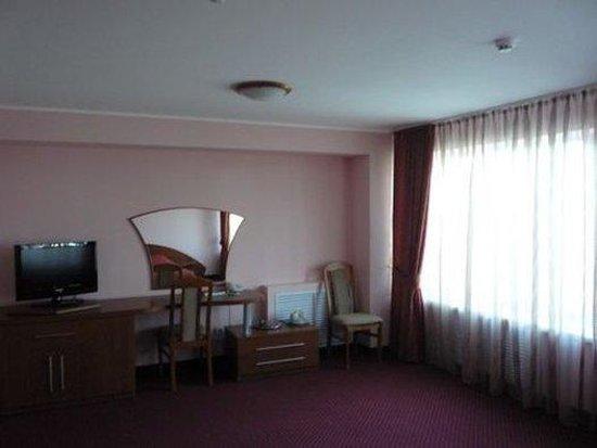Derzhavinskaya: Studio