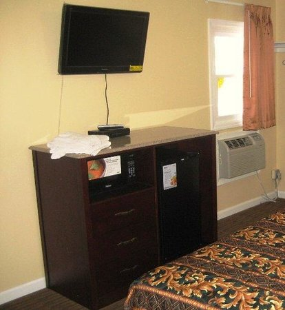 Red Carpet Inn and Suites: Red Carpet Inn Wrightstown NJ, 2 DNS