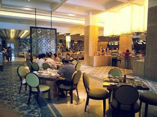 Hotel Tentrem Yogyakarta : Breakfast area