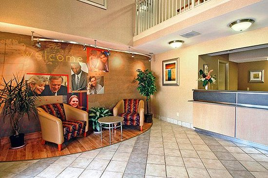 Motel 6 Gatlinburg Smoky Mountains: MLobby