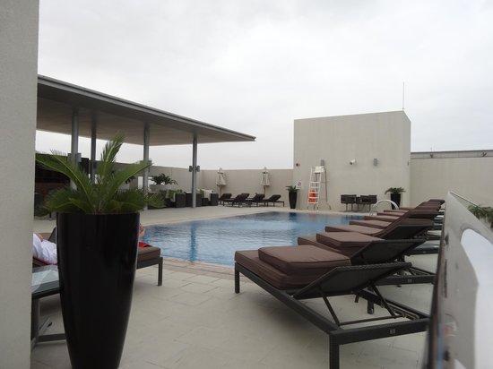 Centro Barsha: Roof top pool