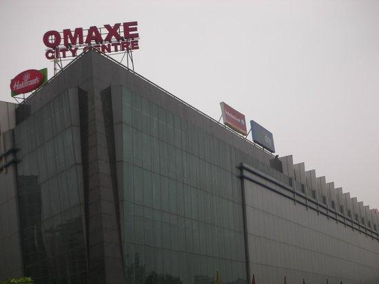 Laxmi Villa: Omaxe Mall
