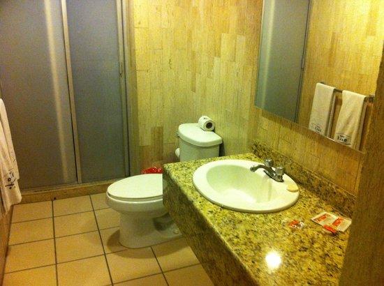 هوتل دالي إجيكوتيفو: bathroom