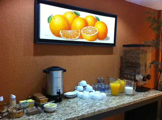 Dali Plaza Hotel: breakfast