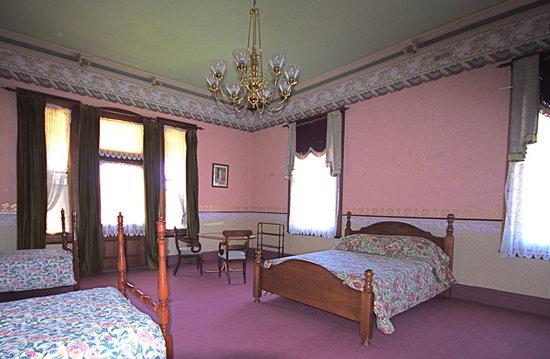 Stannum House: Reid Room