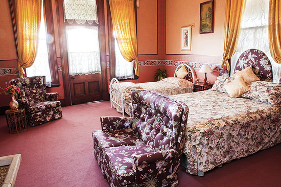 Stannum House: Napoleon Room