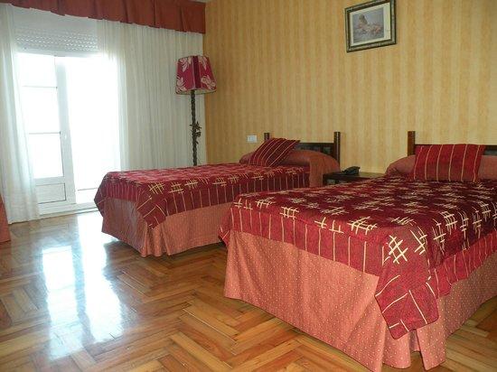 Hotel Rompeolas: Habitación doble superior