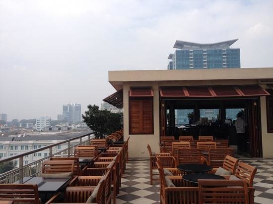 Caravelle Saigon:                                     9th floor rooftop bar