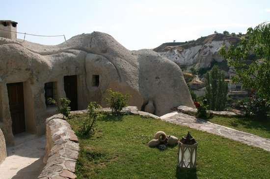 Traveller's Cave Hotel: One of the rooms