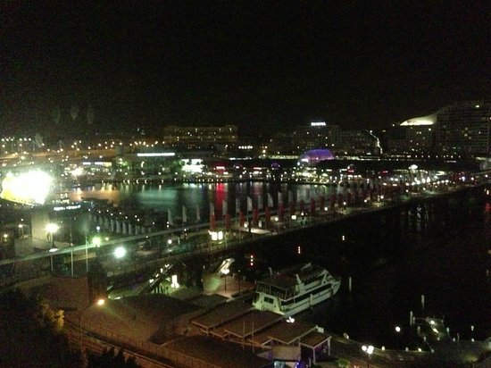 Four Points by Sheraton Sydney, Darling Harbour:                   View from Premium Harbour View Room