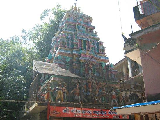 Pauri Garhwal District, Indien: neelkanth temple....