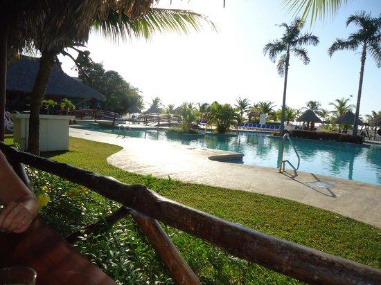 Hotel Playa Blanca Beach Resort: vista desde el área del restaurante boufet