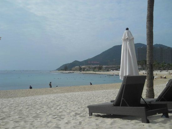 Serenity Coast Resort Sanya:                   beach