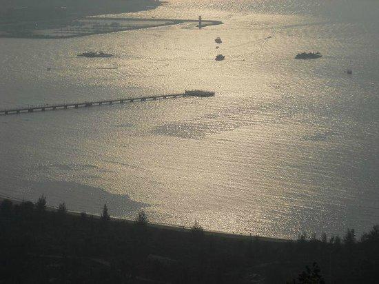 Serenity Coast Resort Sanya:                   avond val