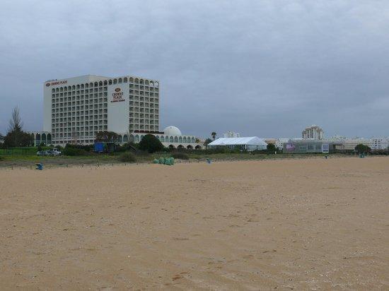 Crowne Plaza Vilamoura - Algarve: Hotel desde la playa
