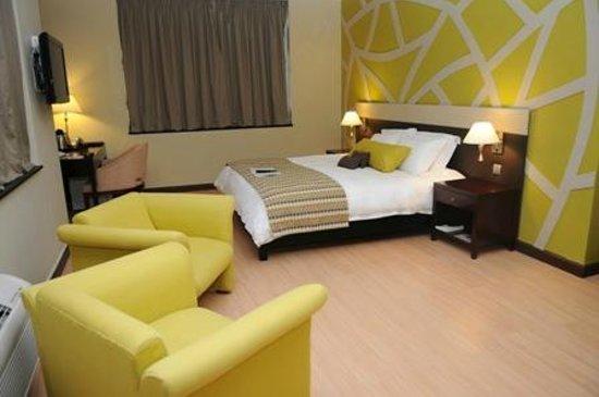 Protea Hotel Lusaka Cairo Road: Master Bedroom