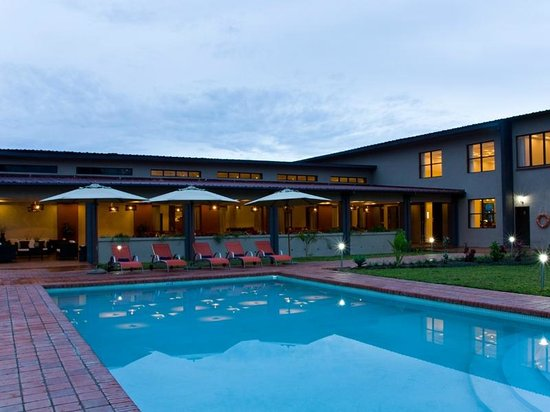 Protea Hotel Chipata: Pool Area