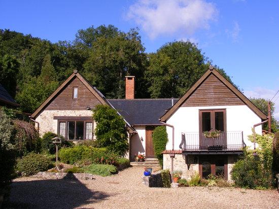 Hazelbrook Lodge