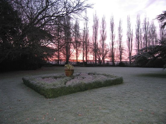 Beechfield House: sunset on frosty evening