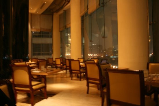 Grand Nile Tower: Salón para desayunos y cenas.