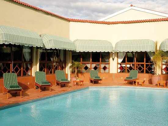 Protea Hotel by Marriott Worcester Cumberland: Pool Area