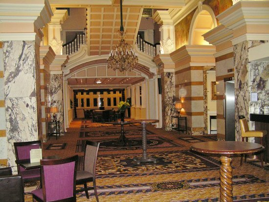 The Majestic Hotel: Foyer