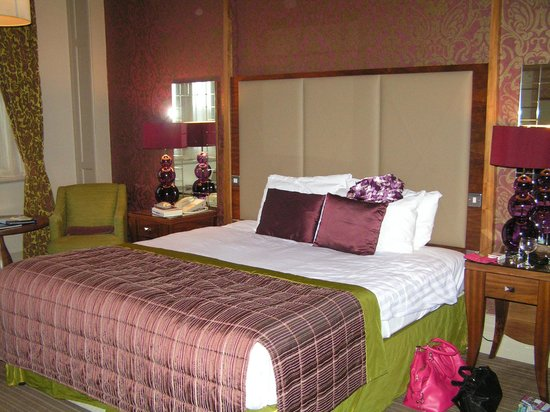 The Majestic Hotel: Bedroom