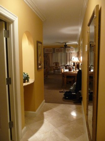 Hampton Inn Jacksonville/Ponte Vedra Beach-Mayo Clinic Area: View from the guest room entrance; a large room